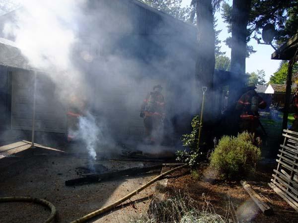 Portland Fire & Rescue Responds to Garage Fire in SE Portland   2010