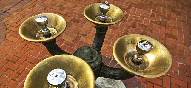 Benson Bubblers quinch the thirst of Portland.