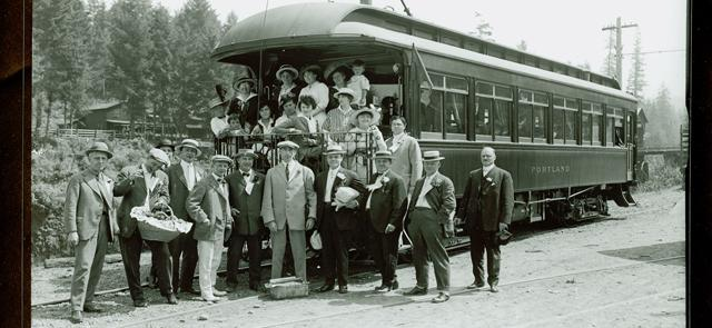 Portlanders once took the streetcar to Dodge Park!