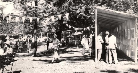 Art Exhibit at Laurelhurst Park in 1953, A2001-045.689