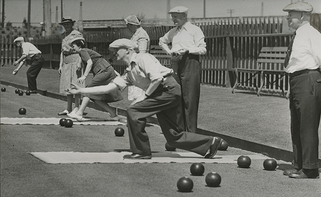 Lawn bowling at Westmoreland Park