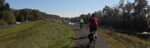 bike riders on the Columbia Slough trail
