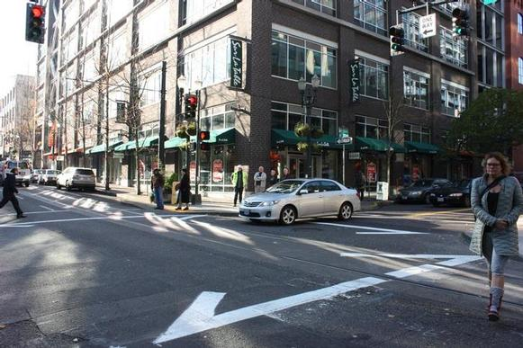Pedestrian scramble opened NW 11th and Couch