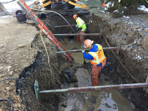 Water Bureau crews fix water main break