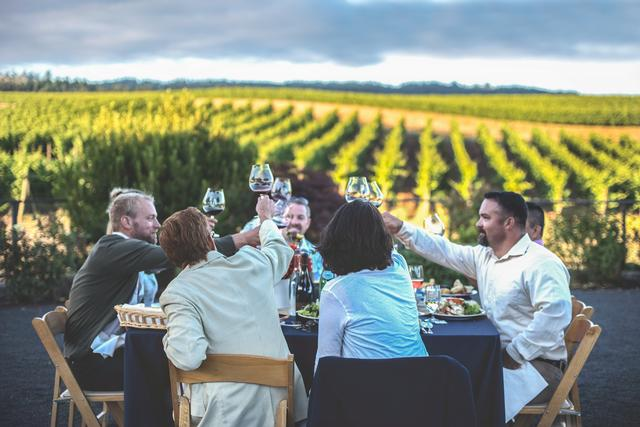 Hunt & Gather vineyard event