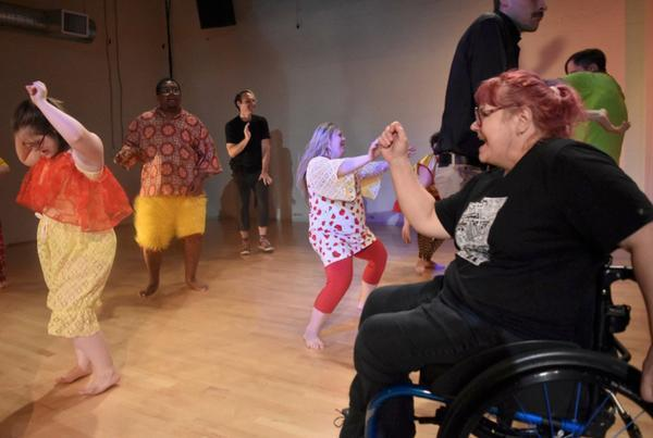 Cathy Coleman instructing a DanceAbility class