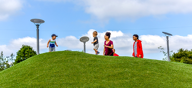 Playful families at Gateway Discovery Park